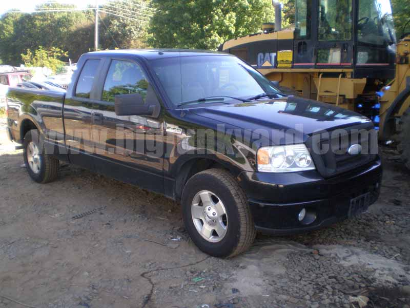 Parting Out 2007 Ford F150 XL 4Dr RWD Extended Cab L-59