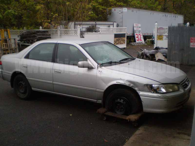 Parting Out 2001 Toyota Camry LE Sedan L-64