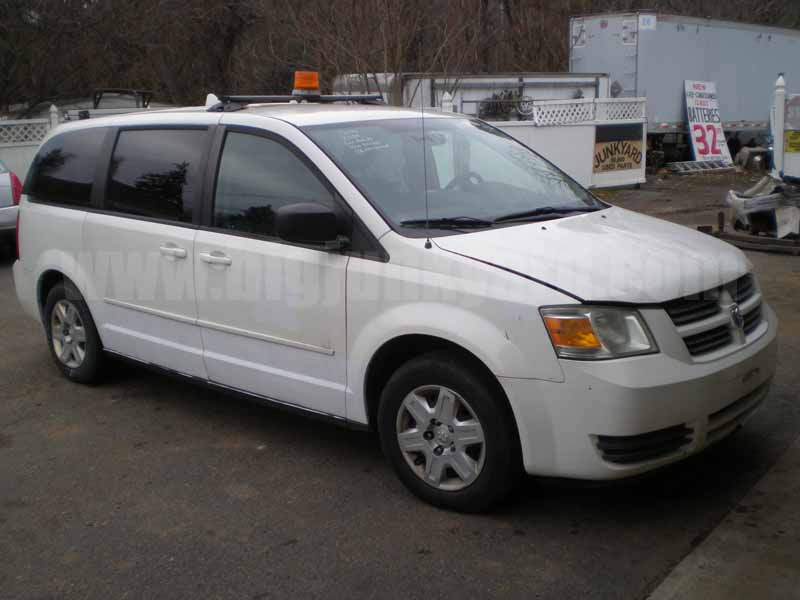 Parting Out 2009 Dodge Grand Caravan SE Van L-66