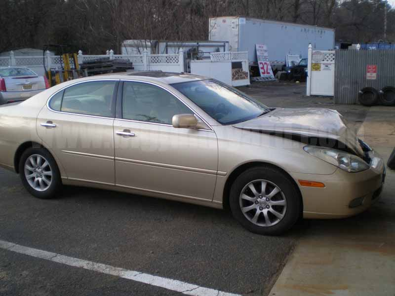 Parting Out 2004 Lexus ES330 FWD Sedan L-68