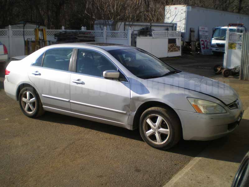 Parting Out 2005 Honda Accord EX Sedan M-3