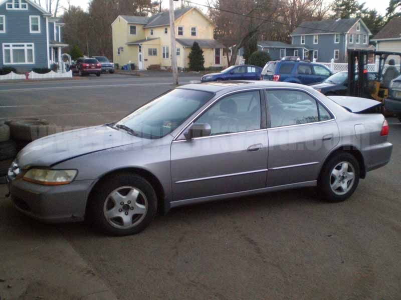 Parting Out 2000 Honda Accord EX V6 Sedan M-6