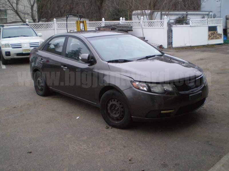 Parting Out 2010 Kia Forte EX FWD Sedan M-13