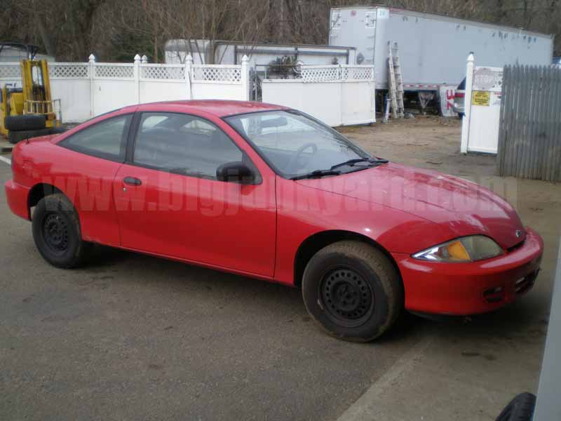 Parting Out 2001 Chevy Cavalier Coupe M-16