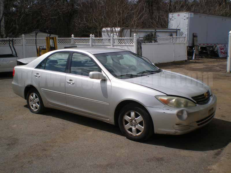 Parting Out 2004 Toyota Camry LE FWD M-24