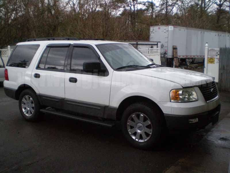 Parting Out 2006 Ford Expedition XLT 4WD M-28