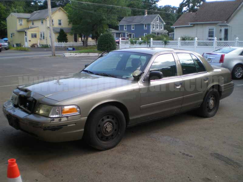 Parting Out 2006 Ford Crown Victoria Police Int. Sedan M-38