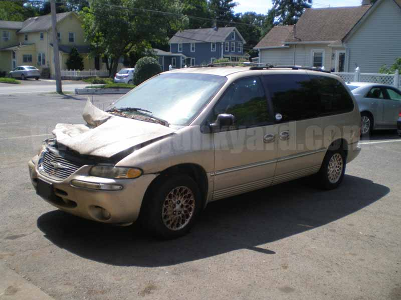 Parting Out 1998 Chrysler Town and Country LXi FWD Van M-43