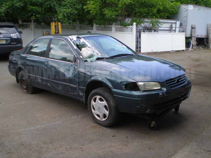 Parting Out 1997 Toyota Camry LE V6 Sedan M-36