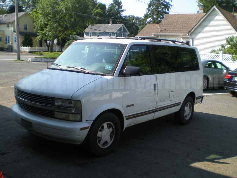 Parting Out 1995 Chevy Astro Van 4.3L AT M-46