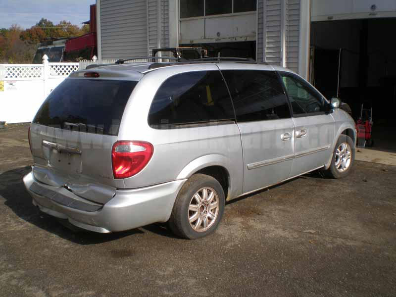 Parting Out 2005 Chrysler Town & Country Touring FWD M-54