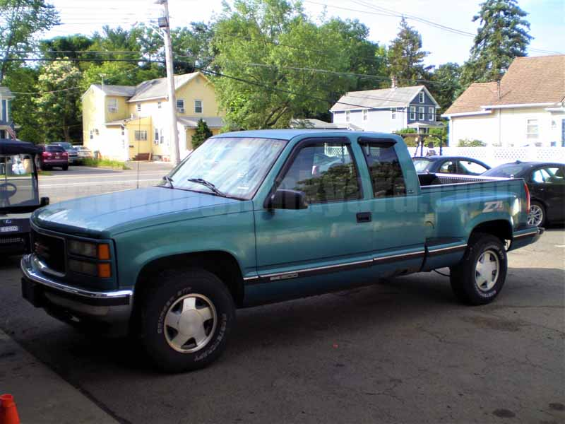 Parting Out 1997 GMC K1500 SLE 2Dr 4WD Ext Stepside N-25