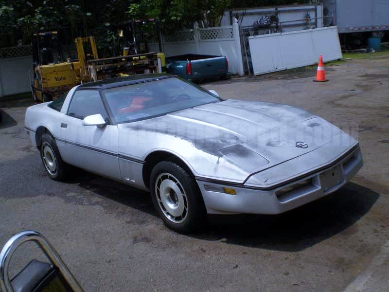 Parting Out 1985 Chevy Corvette RWD Coupe N-33
